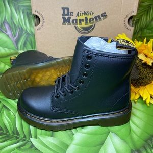 ⚡️Dr. Martens 1460 Softy T Leather Boot Black⚡️